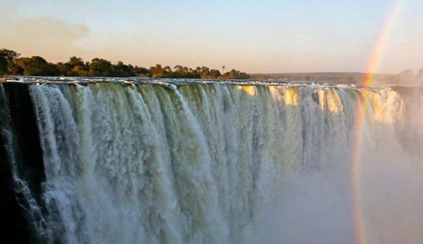 The Victoria Falls, Victoria Falls high water season
